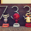 Bobble heads in front of 733